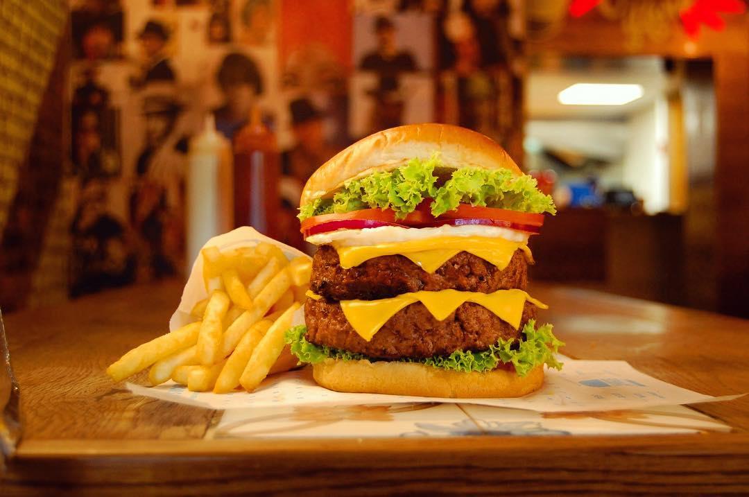 Amigos Burgers