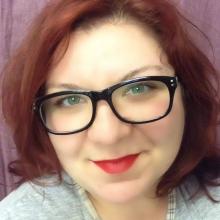 Female Professional seeking roomshare in