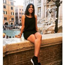 Female Student, Smruti, seeking flatmate in London