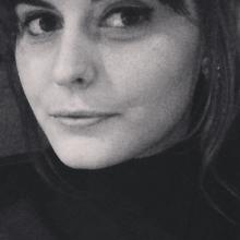 Female Professional, Laura, seeking flatmate in London, United Kingdom