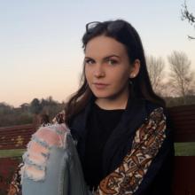 Female Student seeking roomshare in North London