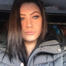 Female Professional seeking roomshare in New Malden