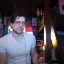Male Professional seeking roomshare in Hendon