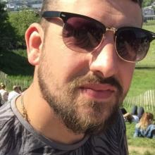 Male Professional, Benjamin, seeking flatmate in South London