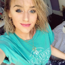 Female Student seeking roomshare in Leeds