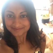 Female Professional, Naila, seeking flatmate