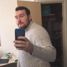 Male Professional, Ashley, seeking flatmate in London