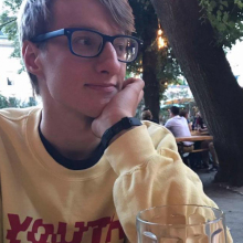 Male Professional, Richard, seeking flatmate in Clapham