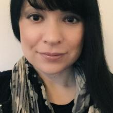 Female Professional, Juanita, seeking flatmate