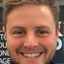 Male Professional, Tom, seeking flatmate in London