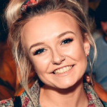 Female Professional, Rosie, seeking flatmate in Manchester