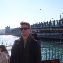 Male Professional, Gary, seeking flatmate in Bristol