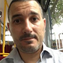 Male Professional, Pietro, seeking flatmate in London