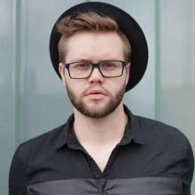 Male Professional, Michal, seeking flatmate in Brixton