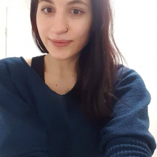 Female Professional, Miku, seeking flatmate in Manchester
