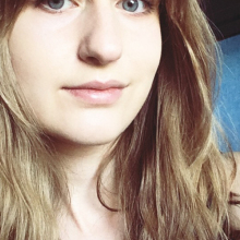 Female Student, Rachel, seeking flatmate in London