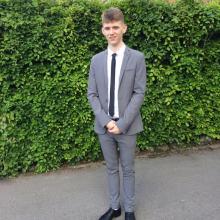 Male Professional, Daniel, seeking flatmate in Clapham Junction