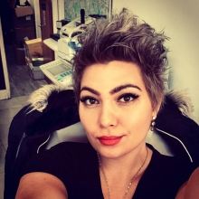 Female Professional, Nicoleta, seeking flatmate
