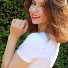 Female Professional, Aleksandra Suder, seeking flatmate in Feltham