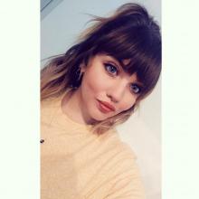 Female Professional, Jaime, seeking flatmate