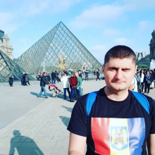 Male Professional, Razvan, seeking flatmate in South London