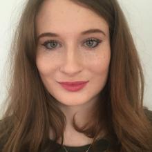 Female Professional, Freya, seeking flatmate in E14 5HP