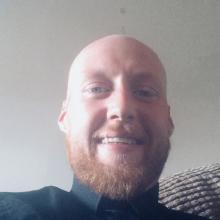 Male Professional seeking roomshare in Brackley