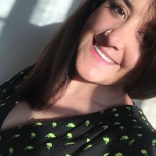 Female Professional seeking roomshare in AL10