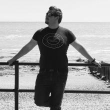 Male Professional seeking roomshare in Merton