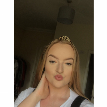 Female Student seeking roomshare in West London