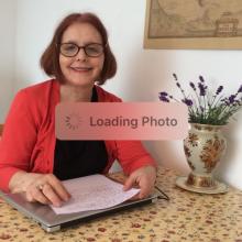 Female Freelancer/self employed seeking roomshare