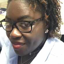 Female Professional, Dominique, seeking flatmate in Hoxton