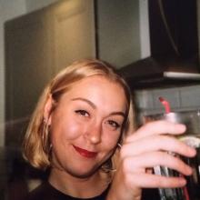 Female Professional seeking roomshare in Didsbury