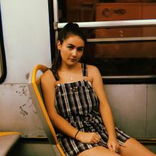 Female Student, Georgina, seeking flatmate in Swiss Cottage