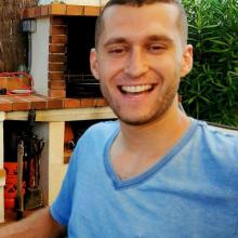 Male Student seeking roomshare in Leeds