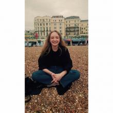 Female Professional, Katie, seeking flatmate in London, United Kingdom