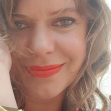 Female Professional, Kirstin Barnes, seeking flatmate in Stoke Newington