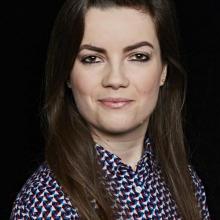 Female Professional, Emily, seeking flatmate in London, United Kingdom
