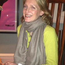 Female Professional, Emma, seeking flatmate in London, United Kingdom