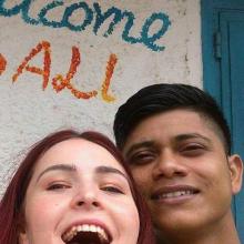 Couple Professional seeking roomshare in Greenwich