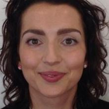 Female Professional, Julia, seeking flatmate in London, United Kingdom