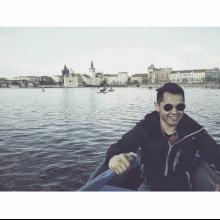 Male Professional, Miguel, seeking flatmate in London, United Kingdom