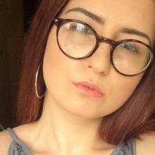 Female Student, Carrie, seeking flatmate in London