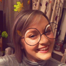 Professional, Amy, seeking flatmate in SG8