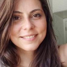 Female Student, Marina, seeking flatmate in London