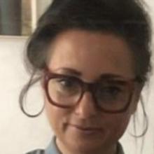 Female Professional, Gina, seeking flatmate in South London