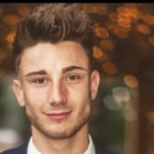 Professional, Ryan, seeking flatmate