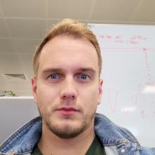 Male Professional, Tim, seeking flatmate in London