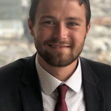 Male Professional, Zach, seeking flatmate in Clapham