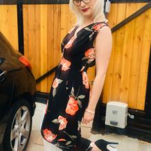 Female Professional, Courtney, seeking flatmate in Nottingham